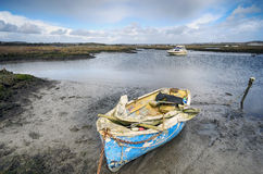 在普尔港停泊的老小船 库存图片