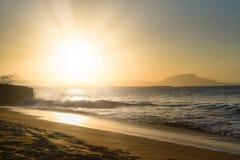 在普拉塔港多米尼加共和国的美好的日落 免版税库存图片