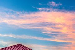 在普拉塔港,多米尼加共和国的五颜六色的惊人的日落 库存图片