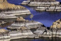 在普里斯科特亚利桑那附近的美丽如画的Watson湖 库存图片
