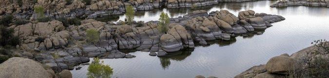 在普里斯科特亚利桑那附近的美丽如画的Watson湖 库存照片