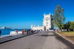 在晴天期间, Torre de贝拉母从公园的联合国科教文组织世界遗产名录景色 免版税库存照片