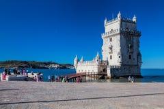 在晴天期间, Torre de贝拉母从公园的联合国科教文组织世界遗产名录景色 免版税库存图片