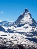 在晴天视图的马塔角峰顶从gornergrat火车站, 库存照片