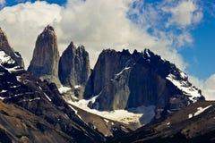 在智利/托里斯del潘恩的美丽的山 库存图片