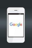 在智能手机屏幕上的谷歌象 库存图片