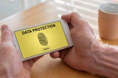 在智能手机的数据保护概念 免版税库存照片