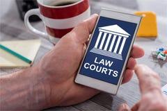 在智能手机的法院概念 免版税库存照片