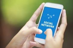 在智能手机的社会网络 免版税库存照片