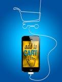 在智能手机的网上购物 库存图片