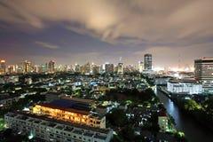 在暮色天空的曼谷都市风景 库存图片