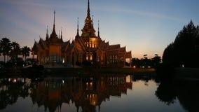 在暮色时间的美丽的寺庙 股票录像