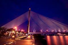 在暮色时间的Rama 8桥梁 库存图片