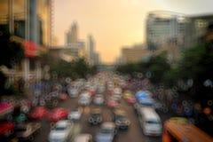 在暮色时间,被弄脏的照片bokeh的曼谷都市风景 免版税库存照片