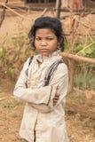 在暹粒附近的少年村庄女孩柬埔寨 库存照片