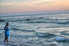 在暹罗湾的日出华欣丝毫的Fisher 免版税库存图片