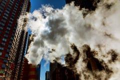在曼哈顿中城宣扬蒸汽,事故, repairhot空气到街道里 库存照片