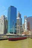 在曼哈顿南大街海口港口运送  库存图片