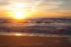 在曼哈顿比奇,半月湾,加利福尼亚的日落 库存图片