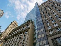 在曼哈顿,纽约的现代大厦 库存照片