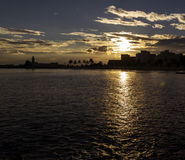 在曼弗雷多尼亚- Gargano的日落剪影 库存图片