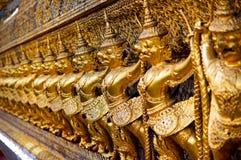 在曼谷玉佛寺的鹰报,盛大宫殿,泰国 免版税库存照片