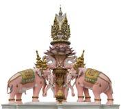 在曼谷玉佛寺附近的大象雕象 免版税库存图片