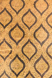 在曼谷玉佛寺,绿宝石的寺庙的金子纹理 库存照片