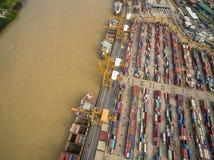 在曼谷造船厂上的鸟瞰图 免版税库存照片