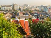 在曼谷,泰国屋顶的看法  免版税库存照片