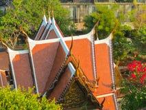 在曼谷,泰国屋顶的看法  免版税库存图片