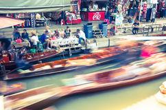 在曼谷,泰国附近的Damnoen Saduak浮动市场 库存图片