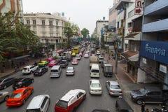 在曼谷` s街道上的活泼的交通 曼谷泰国 免版税库存照片