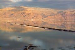 在最低的咸湖的日落在海平面死海下的世界的, 免版税图库摄影