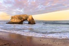 在最后剩余的自然曲拱的日落 免版税图库摄影