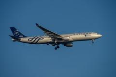 在最后渐近的在星期二中国南方航空股份有限公司空中客车A330向悉尼机场2017年5月23日 库存图片