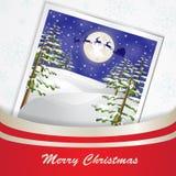 在月亮和圣诞树背景的圣诞老人雪橇 库存照片
