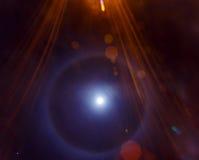 在月亮或一个轻的圆环附近的光晕在月亮附近 库存图片