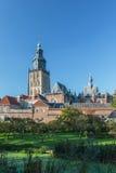 在有历史的荷兰语城镇Zutphen的视图 免版税库存图片