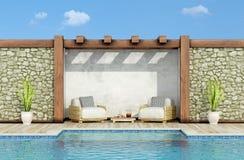 在有游泳池的一个庭院里放松 皇族释放例证