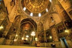 在有耶稣的生活&葡萄酒装饰壁画的古老亚美尼亚人Vank大教堂里面在伊朗 免版税库存照片