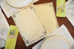 在有菜单的一家餐馆制表布局与文本的自由空间 库存图片