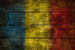 在木头的旗子罗马尼亚 免版税库存图片