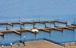 在木板材的辅助部件海滩 免版税库存图片