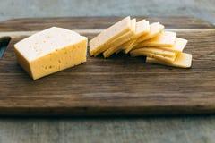 在木板的干酪 库存照片