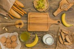 在木桌上的健康快餐与拷贝空间 库存图片