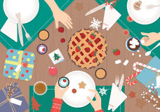 在木桌传染媒介设计的圣诞晚餐 免版税库存图片
