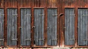 在木棚子的门 免版税库存照片