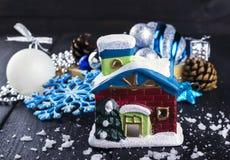 在木的圣诞节装饰背景 免版税库存照片