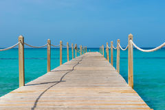在木的海运的桥梁 旅行和假期 查出的黑色概念自由 免版税库存图片